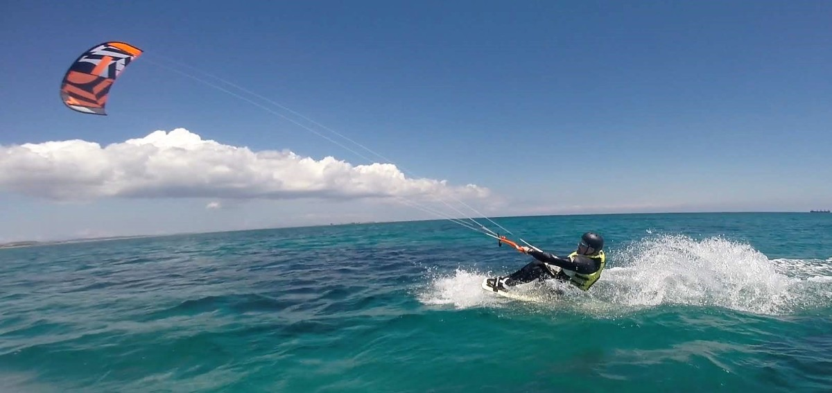 Kitesurfing in Keros – Wheelchair on Water